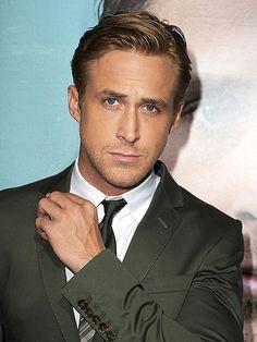 A BROODING LOOK photo | Ryan Gosling