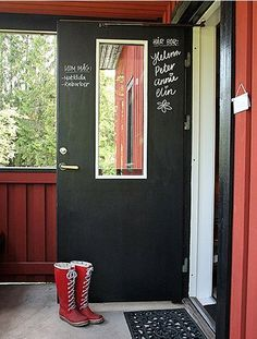 chalkboard door for laundry room - easy way to write notes to remember!