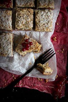 Rhubarb & berries crumb bars
