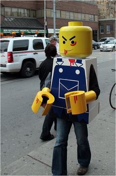 love the lego hands. and its a zombie!