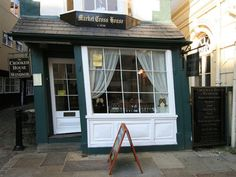 The Crooked House of Windsor