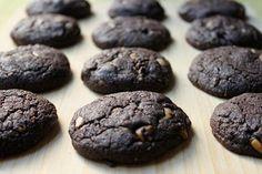 vegan double dark chocolate peanut butter cookies