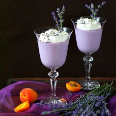 #Lavender mousse and peaches are a relaxing snack on a weekday afternoon.