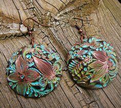 Flower doodle polymer clay earrings by adrianaallenllc on Etsy