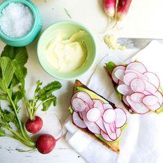 30 Awesome Avocado Toast Recipes