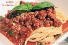 Meatless Monday - Easy vegetarian bolognese - The Veggie Mama