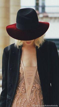 Street Style   Elena Perminova's fedora.