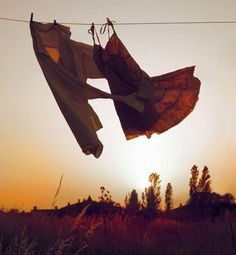 clotheslines, wind, cleaning, sunsets, dresses, patio, dance, hang laundri, countri clotheslin