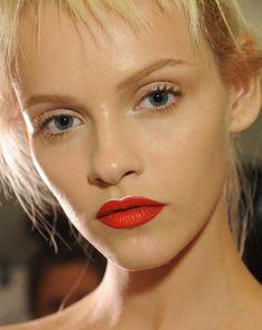 Beauty Buzz: the poppin' Prada lip via Discoveredd.com