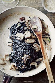 . dinner, porcini mushroom, foods, squid ink pasta recipe, mushroom recipes, black pasta, pasta nero, pastas, mushrooms