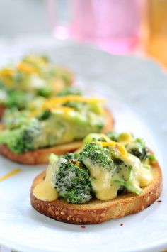 Cheesy Broccoli Crostini