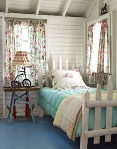 DIY Picket fence bedframe-Love!!!
