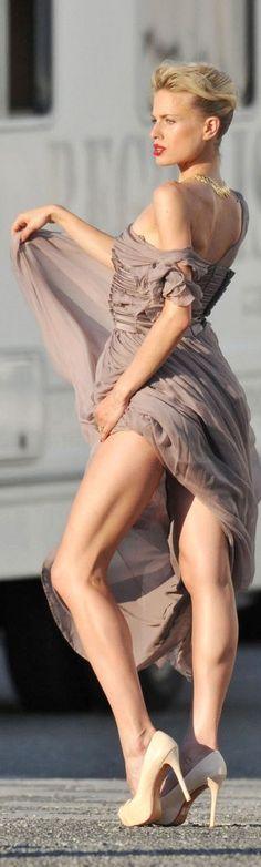 Karolina Kurkova has great legs in high heels #legs #heels