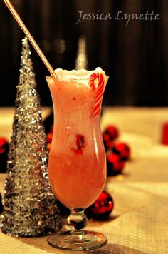 Christmas Drinks   Snowman Floats - Great for Christmas in FL !  Ginger ale + strawberry ice cream;  garnish w/ mini candy cane + straw