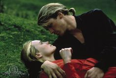 Just watched Princess Bride again and you wouldn't be able to tell the film is from 1987 by the costumes! I love her red dress-- the sleeves are to die for.
