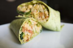 Spinach Chickpea Curry Wraps - these are so easy and delicious