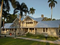 The winter estates of Thomas Edison and Henry Ford.  loved this tour