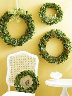 1 Wreath, 4 Ways: http://www.midwestliving.com/homes/seasonal-decorating/holiday-ideas/diy-wreaths/page/1/0