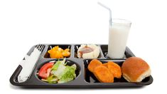 Vegetables hit school lunch trays, but most kids don't bite