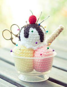 FREE Crochet Ice Cream Sundae Pattern and Tutorial