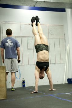 """""""3 Years of CrossFit and This Is What I Have Learned"""" Great reminder for when you're in a little bit of a slump! fit, handstands"""