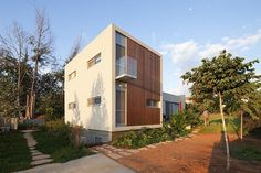 Valley House by Aberjazz Studio Architects