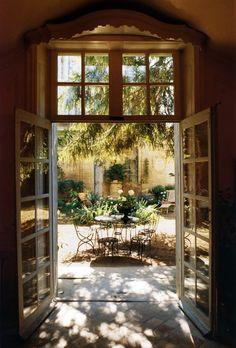 ~spanish courtyard.