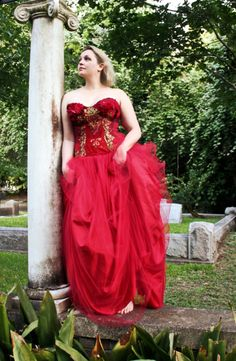 The original traveling red dress