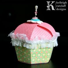 A Cupcake Shaped Box tutorial with templates