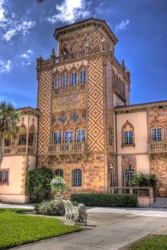 Florida wedding venue: Ca' d'Zan Mansion on Sarasota Bay