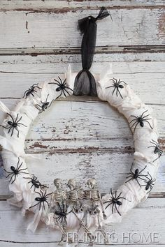 Halloween Wreath - Spooky!