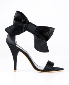 Gorgeously graced at the ankle