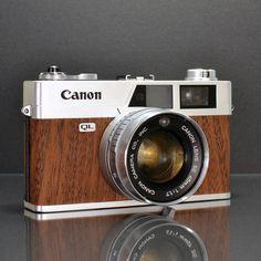 canonet ql17, wood, gadget, vintage cameras, canon cameras, vintage homes, ilott vintag, ql17 mahogani, vintage style