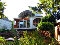 Quonset Hut home.  Very cool.