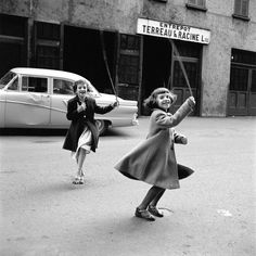by Vivian Maier (1926 – 2009) American amateur street photographer
