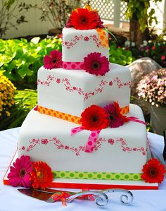 Gerber daisy wedding cake..so fun and colorful!!