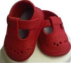 baby shoes cake, babi shoe, baby shoe cakes, fondant baby shoes, baby shoes tutorial cake, baby shoes fondant, cake toppers