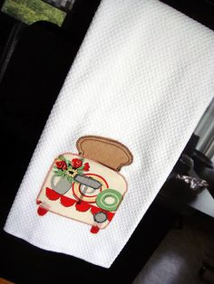 Retro Toaster Kitchen Towel by 15PiecesofFlair on Etsy, $10.00