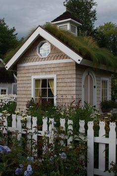 .guest cottage