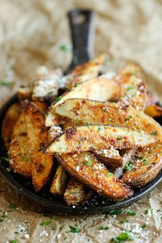 cook, russet potato, fried vegetables, crisp, ovenbak fri, delici, garlic parmesan, grate parmesan, parmesan fri