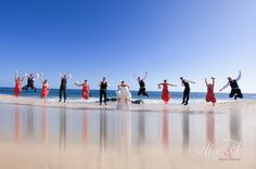 wedding parties, beaches, beavers, awesom pictur, dresses, dress wedding, beach weddings, families, wedding pictures