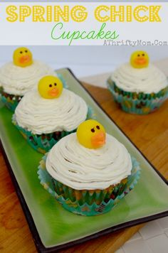 Spring Chick Cupcakes, quick and easy cupcake ideas for Easter. Easter Desserts, #Easter, #CupCakes, #Chickens, #Chicks