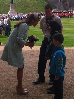 Twitter / SkyNewsRoyal: Duchess of Cambridge arrives for the National Review of Queen's Scouts Parade, Windsor Castle, 4/21/13