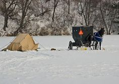Amish ice-fishing - Pixdaus