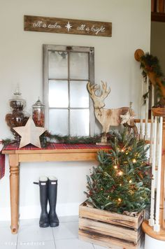Christmas Home Tour | Rustic and Cozy Christmas Holiday Decor Inspiration from Nina Hendrick Design Co.