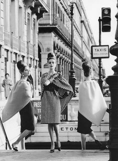 Models are wearing dresses and triangular capes by Pierre Cardin, photo by Rico Puhlmann, Paris, Stern magazine, March 1962