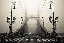 A Szabadság híd (korábban Ferenc József híd) Budapest egyik, 1896-ban, a főváros harmadik közúti átkelőjeként átadott hídja. A XI. kerületi Szent Gellért tér és az V. – IX. kerületi Fővám tér között vezet át a Dunán, a Kiskörút folytatásaként. Az átkelő az Erzsébet hídtól délre, a Petőfi hídtól északra található, a Duna 1645,3 folyamkilométerénél.