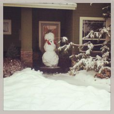 Got snow?  I love this snowman prank for a promposal idea!  Build a snowman right on the front porch, leave a note with the snowman, ring the doorbell and run!