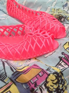 """Nothing says """"Old School"""" like these Neon Jelly shoes"""