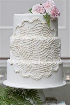 9 Crazy Beautiful Wedding Cakes